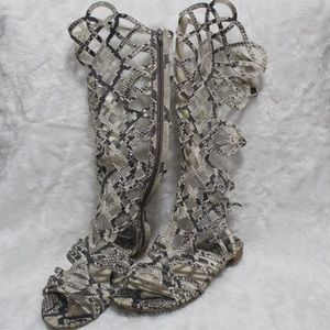😍 Stuart Weitzman snakeskin gladiator sandal